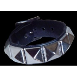 1 row pyramid stud leather wristband