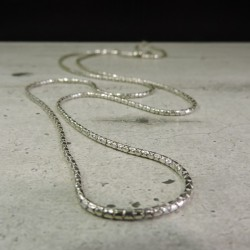 SCH26    silver  chain...